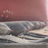 Bolsas a ar marinhas superiores do navio para a ponte de flutuação