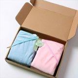 極度の品質、赤ん坊の70%Bamboo 30%Cottonのベロアから成っているフード付きの浴室タオル