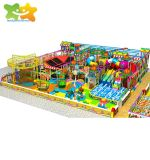 Les enfants d'attraction commerciale utilisée les jouets en plastique de l'équipement de terrain de jeux intérieure tout-petits prix