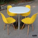 Mobilier en pierre artificielle blanche de petites tables basses