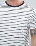 T-shirt da listra do preto da luva do rolo