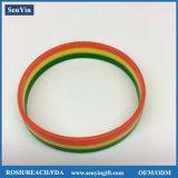 Braccialetto promozionale di modo del silicone del regalo stampato colore