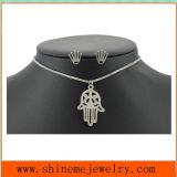 Collar simple de la mano de la palma de la manera de la joyería del acero inoxidable del clavo determinado de acero Titanium de la corona (SSNL2647)