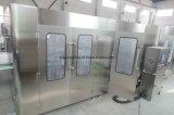 Boissons alcoolisées automatiques automatiques Huile de vin de bière Huile à jus de fruits Machine de remplissage de boissons 4in1 Ligne de production d'usine d'emballage d'embouteillage monobloc 3in1