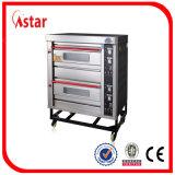 Astar Berufsbackofen mit 2 dem Tellersegment der Plattform-4 angeschalten durch elektrisches