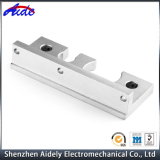 Kundenspezifisches hohe Präzision CNC-maschinell bearbeitendes AluminiumselbstPrägeersatzteil