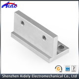 Kundenspezifischer hohe Präzision CNC, der zentrale Maschinerie-Teile maschinell bearbeitet