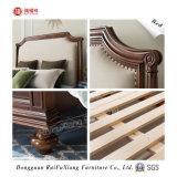 Lit en bois avec décoration de tissu (B326)