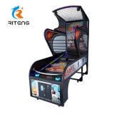 De binnen het Ontspruiten van de Arcade van het Basketbal van de Straat van het Vermaak Muntstuk In werking gestelde Machine van het Spel