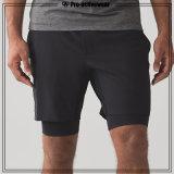 Shorts surfando da roupa feita sob encomenda da praia do homem
