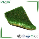 Olhar natural barato que ajardina o relvado sintético da grama do jardim