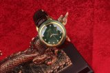 Jade luxuoso novo e relógio real do seletor do ouro com cinta do jade