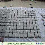 敷石またはペーバーまたは床タイルのための自然な石造りの花こう岩G603の立方体かモザイク