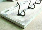 관례에 의하여 새겨진 나무로 되는 벽 훈장은 훅 외투 훅을 만든다