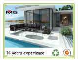 Im Freien lebende Möbel-Schnittsofa eingestellt worden mit Edelstahl-Rahmen