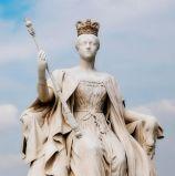 큰 옥외 손에 의하여 새겨지는 여자 화강암 조각품