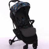 Um toque portátil dobrável carrinho de bebé nas vendas