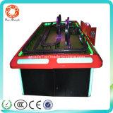 Attirer la machine de jeux de course/arcade de gosses pilotant la machine de jeu