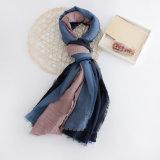 Le donne adattano la sciarpa del cotone di colore del blocchetto di tono 3 (YKY1134)