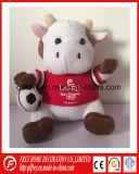 Jouet en peluche personnalisée OEM vache avec le football