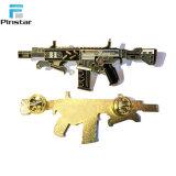 중국 제조자 주문 전자총 사기질 접어젖힌 옷깃 Pin