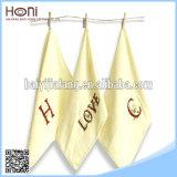 T-023 100綿の刺繍の高度の正方形タオル