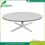 Fumeihuaの熱い販売のコンパクトの積層物HPLのダイニングテーブルの上