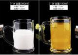 Tazza di vetro senza piombo della spremuta della tazza di birra di nuovo disegno con la maniglia