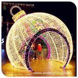 Noël Light Large 3D Ball Shape Motif Light
