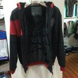 黒い対照の赤い人は大人の標準的なコートの衣服Fw8614のジッパーが付いている羊毛のコートのファスナーを締める