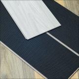 Alimentation d'usine WPC/spc/LVT interverrouillage PVC Tuiles de plancher