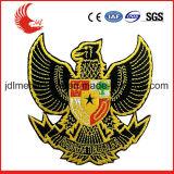 Emblemas personalizados por atacado do bordado da mão de Zhongshan