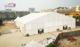 خارجيّة يصنع حادث خيمة بنية لأنّ 10000 الناس