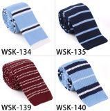 ポリエステル編むネクタイの方法は縞で飾った編まれたタイ(WSK-94)を