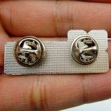 銀によってめっきされる金属の柔らかいエナメルおよび印刷されたPinのバッジ