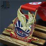Lo smalto molle Bronze antico mette in mostra il trofeo e le medaglie su ordinazione