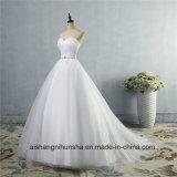 Aラインの襟足のセクシーな背部が開いたウェディングドレスのレースの婚礼衣裳