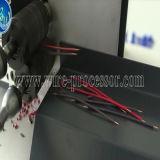 O dobro prende a estaca computarizada modalidade do fio, descascando e torcendo a máquina