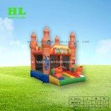子供のための小さく華麗な宮殿の膨脹可能な跳躍の警備員