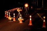 Het Licht van de Pijl van het LEIDENE Verkeer van de Richting voor de Kegel van het Verkeer