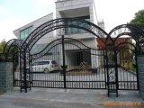 Hermosa Puerta de hierro forjado.