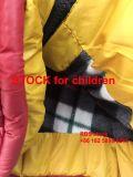 Niedriger Preis 4.85 Dollor Jungen-Aktien-Winter-Umhüllung
