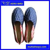 2016 مختلفة العلم الوطني طباعة للجنسين قماش حذاء