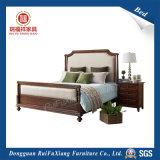 ファブリック装飾(B326)が付いている木製のベッド