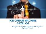 En acier inoxydable commerciale servent de la crème glacée molle la machine