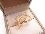めっきされる金張りの十字形の形の最近デザイン高品質の方法宝石類のリング