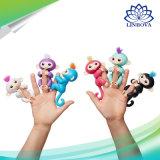 Los niños divertidos de animales de compañía eléctrica alevines mono bebé juguetes de los dedos inteligente
