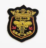 Emblema bordadas à mão para a Uniformização com rosca de Mola