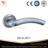 円形のローズ(Z6018-ZR11)の現代フォールドのタイプ亜鉛合金のドアハンドル