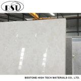 Cor branca da pedra resistente agradável de quartzo da mancha com testes padrões do seixo